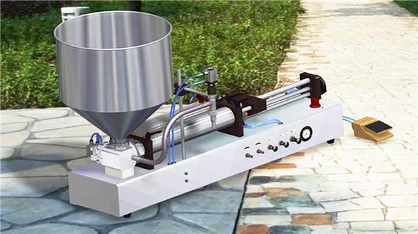 Полуавтоматична машина за пълнене с течен препарат